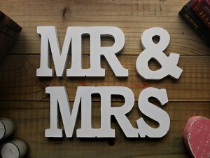quirkyparties-mr-&-mrs-sign
