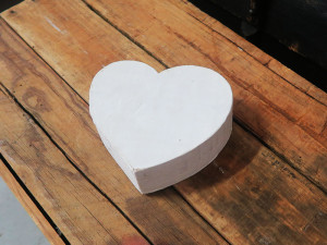 Quirky Parties - chunky wooden hearts