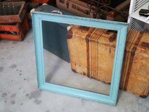 Quirky Parties - Vintage frame - front view